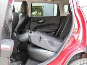 2017款200TS 高性能四驱版 后排座椅放倒