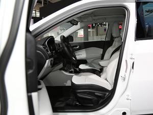 2017款200T 四驱家享版 空间座椅