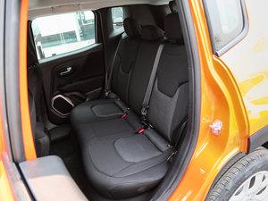 2017款180TS 自动四驱越能敞篷版 后排座椅