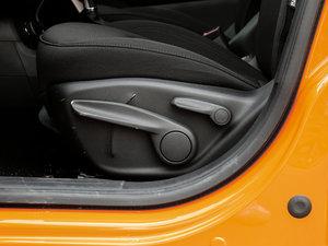 2017款180TS 自动四驱越能敞篷版 座椅调节