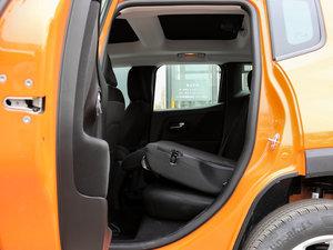 2017款180TS 自动四驱越能敞篷版 后排座椅放倒