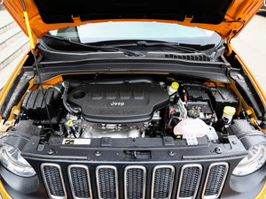 2017款180TS 自动四驱越能敞篷版 发动机