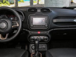 2017款180TS 自动四驱全能敞篷版 中控台