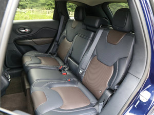 2017款2.4L 全能版 后排座椅