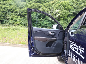 2017款2.4L 全能版 驾驶位车门