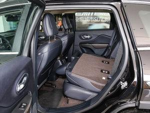 2017款2.4L 领先版智能包 后排座椅放倒