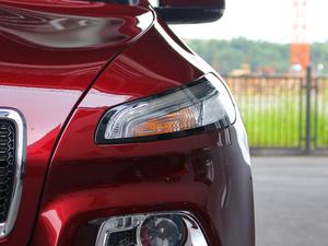 2017款2.4L 领先版 头灯