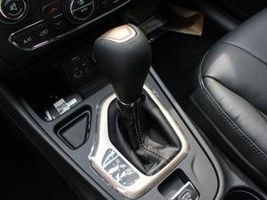 2017款2.4L 领先版 变速挡杆