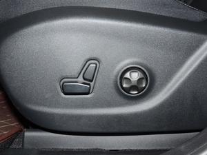 2017款2.4L 优越版 座椅调节
