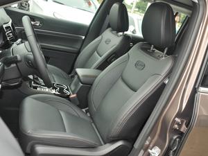 2018款2.0T 四驱智享版 前排座椅