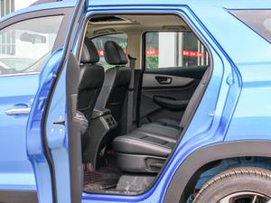 2018款1.8L 手动舒适型 7座 后排空间