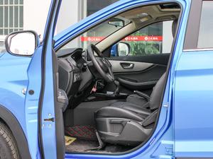 2018款1.8L 手动舒适型 7座 前排空间