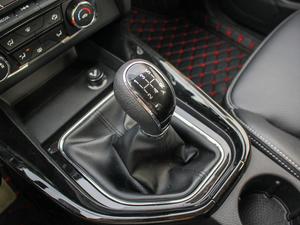 2018款1.8L 手动舒适型 7座 变速挡杆
