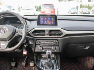 2018款1.8L 手动舒适型 7座 中控台