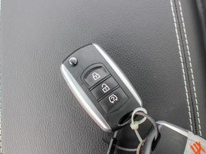 2018款1.8L 手动舒适型 7座 钥匙
