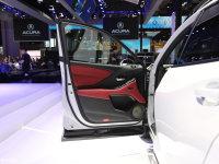 空间座椅讴歌CDX驾驶位车门