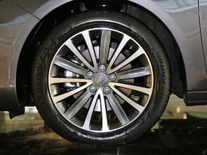 2018款2.4L 自动钻享版 轮胎