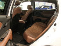 空间座椅讴歌CDX后排空间