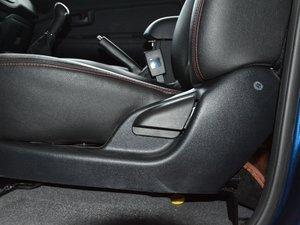 2017款1.9T 柴油手动两驱进取大双版 座椅调节