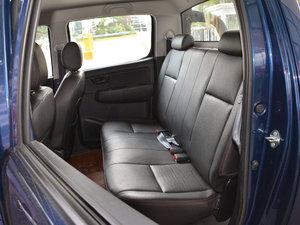 2017款1.9T 柴油手动两驱进取大双版 后排座椅