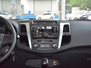 2017款1.9T 柴油手动两驱进取大双版 中控台