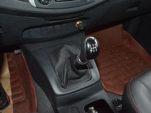 2017款1.9T 柴油手动两驱进取大双版 变速挡杆