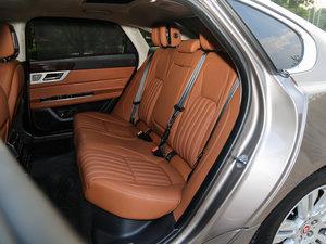 2017款3.0SC 340PS 奢华版 后排座椅