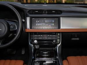 2017款3.0SC 340PS 奢华版 中控台