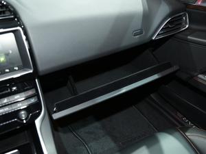 2018款2.0T 200PS 尊享版 空间座椅