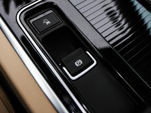 2018款2.0T 250PS 奢华版 驻车制动器