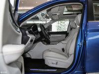 空间座椅汉腾X5 EV前排空间