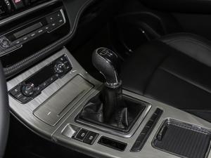 2018款1.5T 手动精英版 变速挡杆