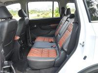 空间座椅SWM斯威X3后排空间