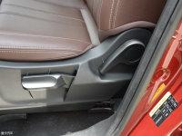 空间座椅比速T5座椅调节