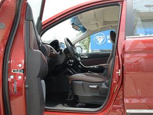 2017款1.5T 手动舒适型 前排空间