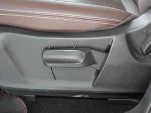 2017款1.5T 手动豪华型 座椅调节