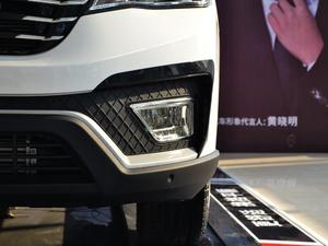2017款1.5T 自动旗舰型 雾灯