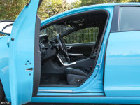 空间座椅S60 Polestar前排空间