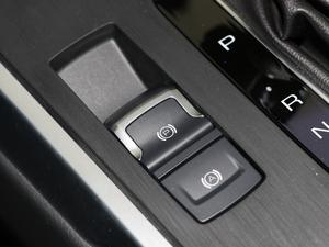 2019款升级款 2.0T 两驱旗舰型 驻车制动器