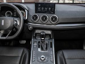2019款升级款 2.0T 四驱旗舰型 中控台
