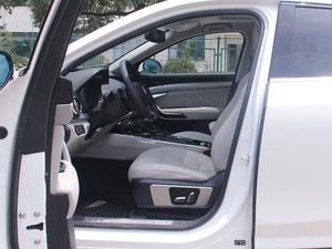 2017款VV7C 豪华型 前排空间
