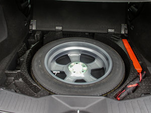 2017款VV7S 超豪型 备胎
