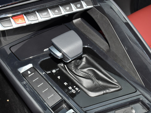 2018款230T CVT智享型 变速挡杆
