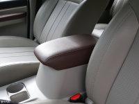 空间座椅菱智M5 EV前排中央扶手