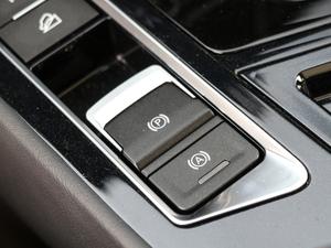2019款1.6TD DCT旗舰型 7座 驻车制动器