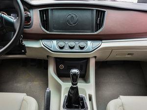 2017款M5L 1.6L 手动舒适型 7座 中控台