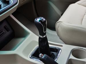 2017款M5L 1.6L 手动舒适型 7座 变速挡杆