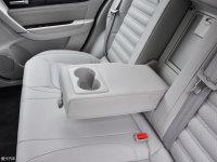 空间座椅景逸S50后排中央扶手