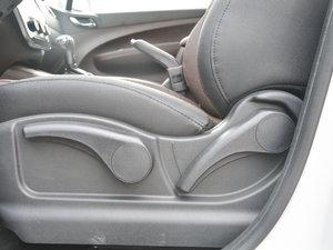 2017款1.6L CVT豪华型 座椅调节