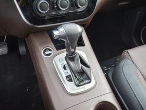 2017款1.6L CVT豪华型 变速挡杆